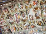 Michelangelo: visão parcial do teto da Capela Sistina