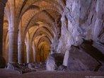 Localizado na Suíça, os subterrâneos do Castelo de Chillon, nos quais o rochedo é visível. Ao longo dos séculos, foram utilizados como prisão e, depois, como lugar de armazenamento. <br><br> Palavras-chave: castelo, subterrâneo, Chillon, Suíça, arquitetura, idade média, medieval, arte, estética